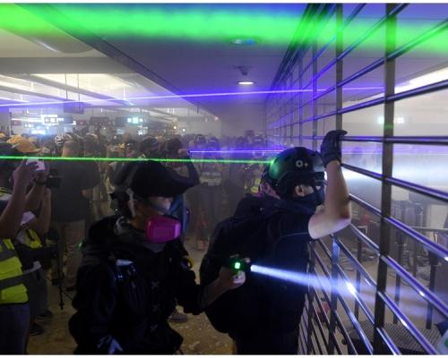 【元朗暴力】警方:昨晚發射一枚橡膠子彈