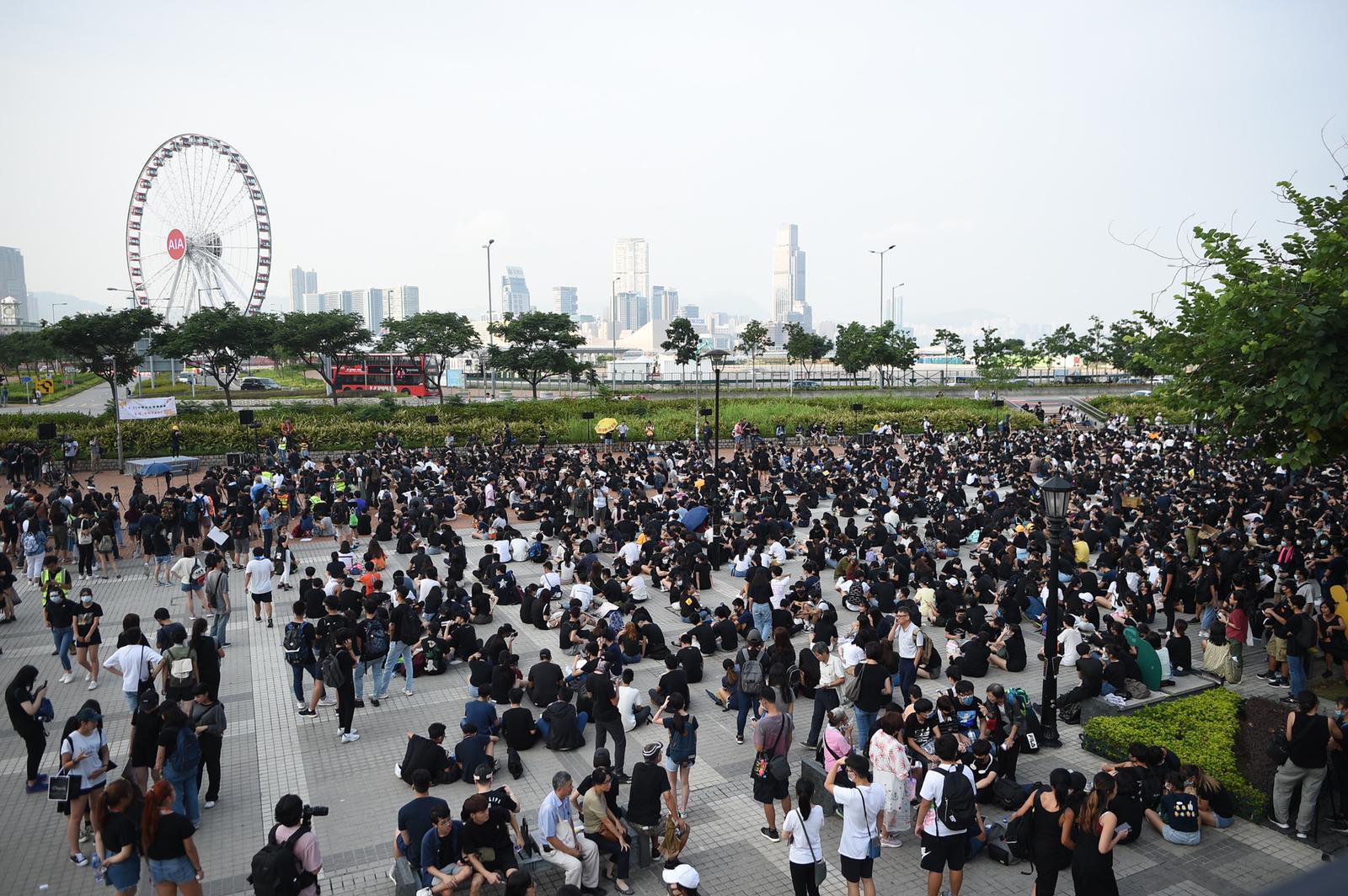 【中學生集會】大會宣布約3000人出席愛丁堡廣場集會 警方稱有1510人