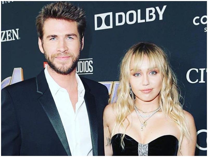 里安正式入紙與Miley離婚。IG