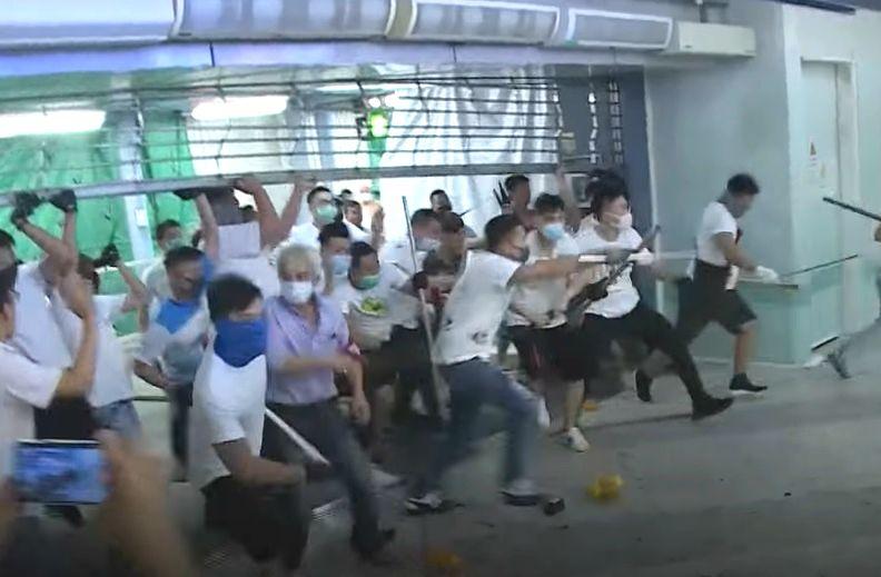 事件發生在上月21日港鐵元朗站內。資料圖片