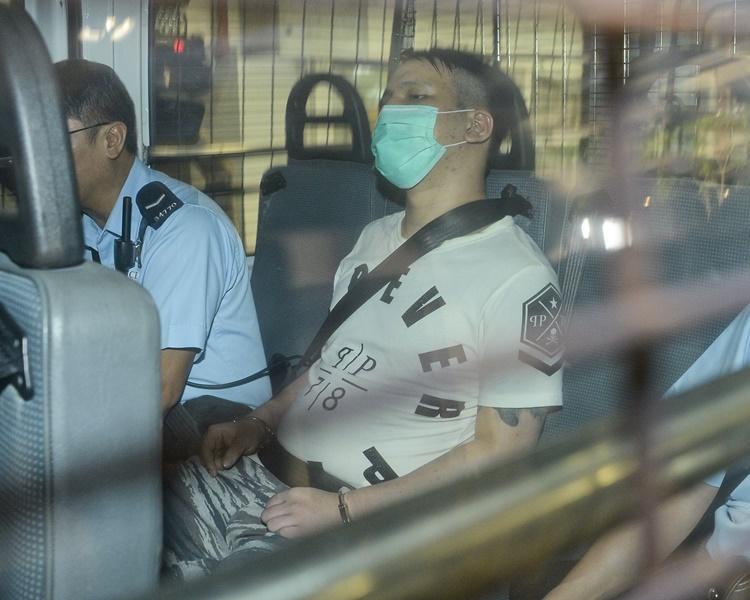 莊鑫淼於庭上反對辯方律師繼續代表他選擇自辯。