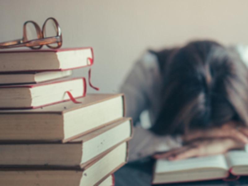 浙江一名女學生疑似因父母給的學業壓力太大,因此了結了自己生命。 示意圖