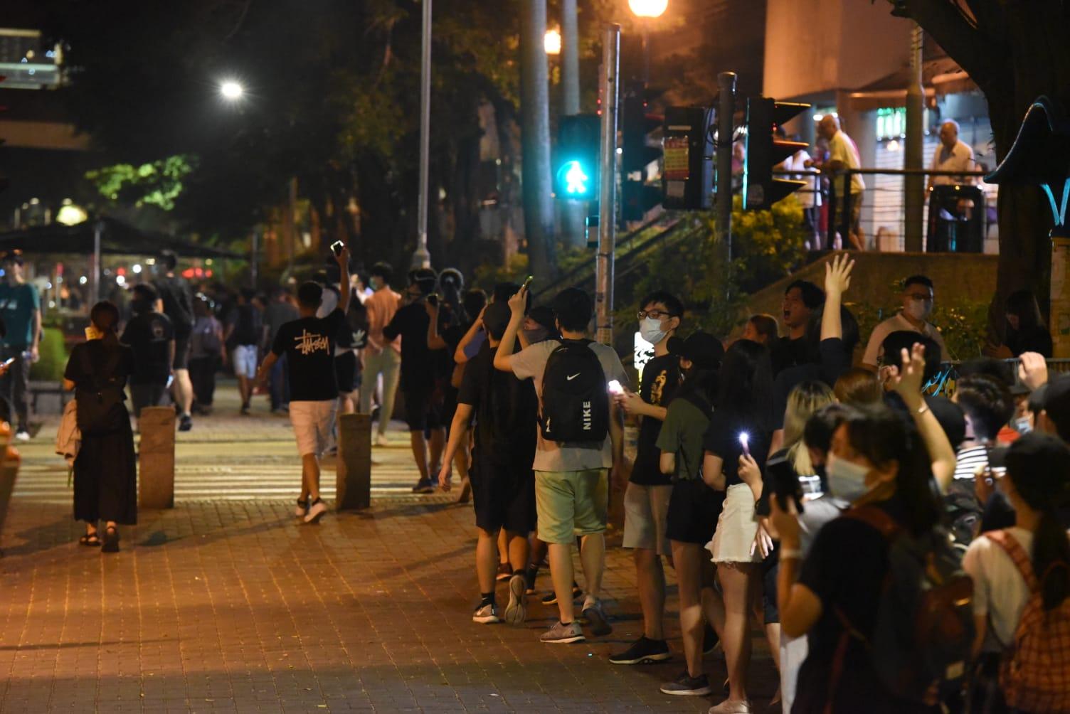 【香港之路】天水圍市民自發組人鏈 西鐵站延至天耀邨輕鐵站