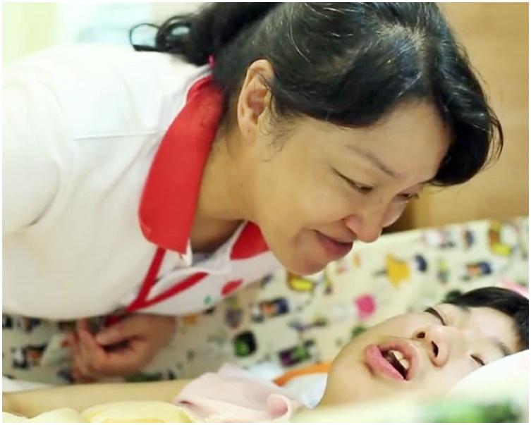林國嬿九九年獲邀加入兒童癌病基金,成為全港首批兒童紓緩治療護士。受訪者提供