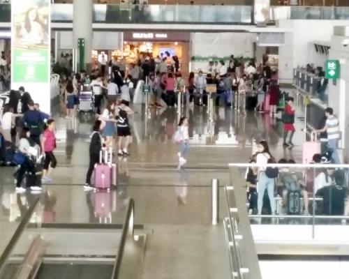 【逃犯條例】「和你塞」圖癱瘓入機場交通 客運大樓如常運作