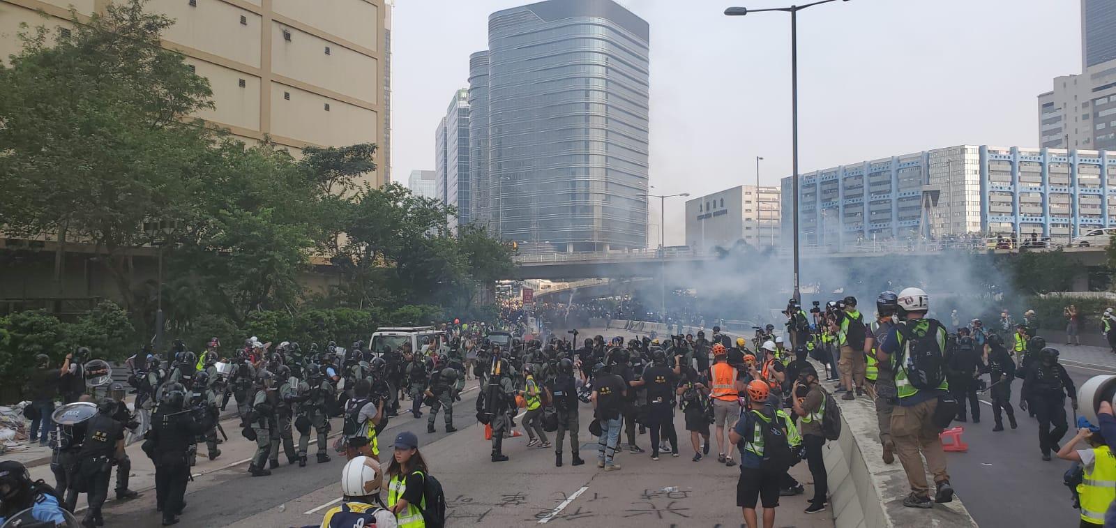 示威者與警方爆發衝突