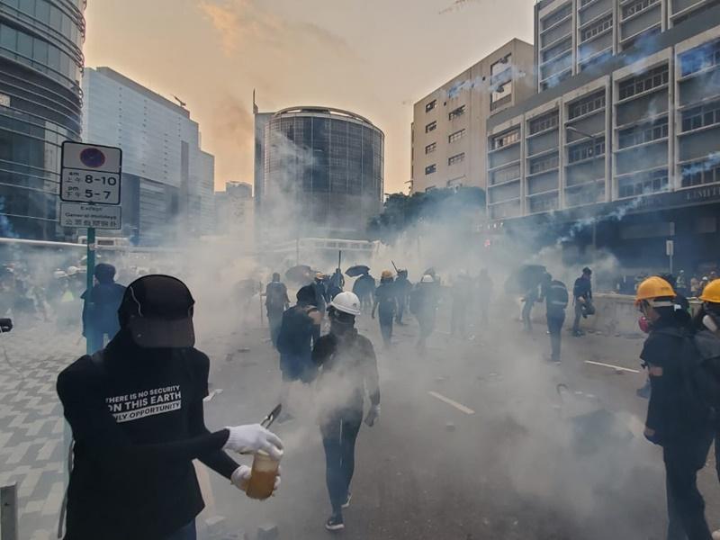 警方呼籲示威者盡快離開。