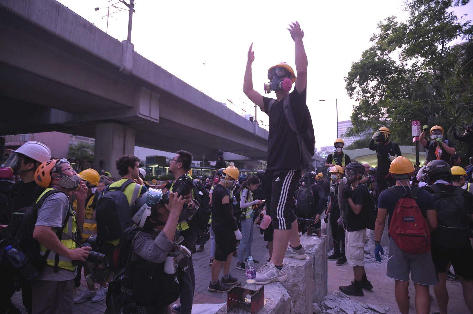 示威者撤退