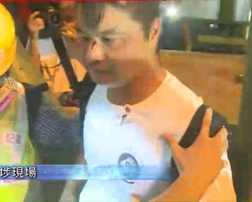【逃犯條例】示威者深水埗堵路 與白衣途人爆毆鬥有人揮菜刀制止