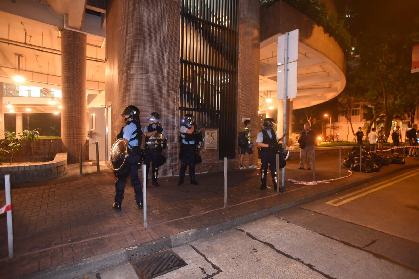黃大仙防暴警察驅散人群
