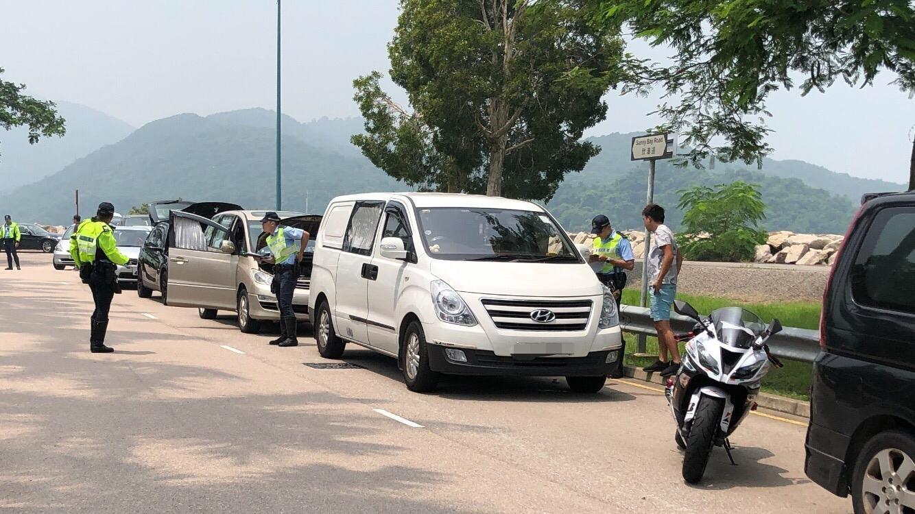 警方扣查車輛。