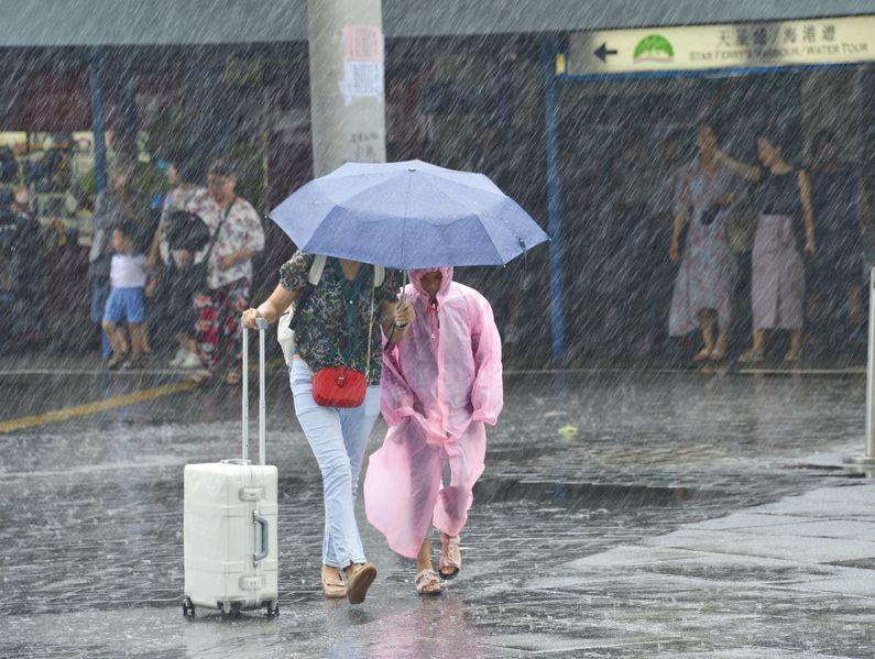 廣泛地區有大雨。資料圖片