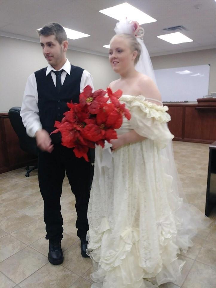 Harley與布德羅成婚不久即遇車禍身亡。fb