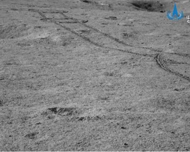 嫦娥四號著陸器和「玉兔二號」再次通過月夜低溫考驗。圖:中國探月工程