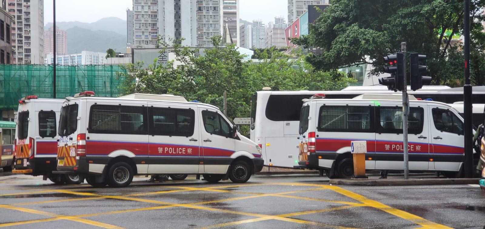 防暴警察增派大河道戒備