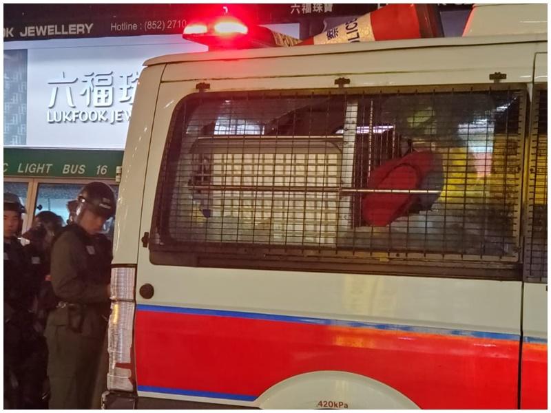 警車被破壞。