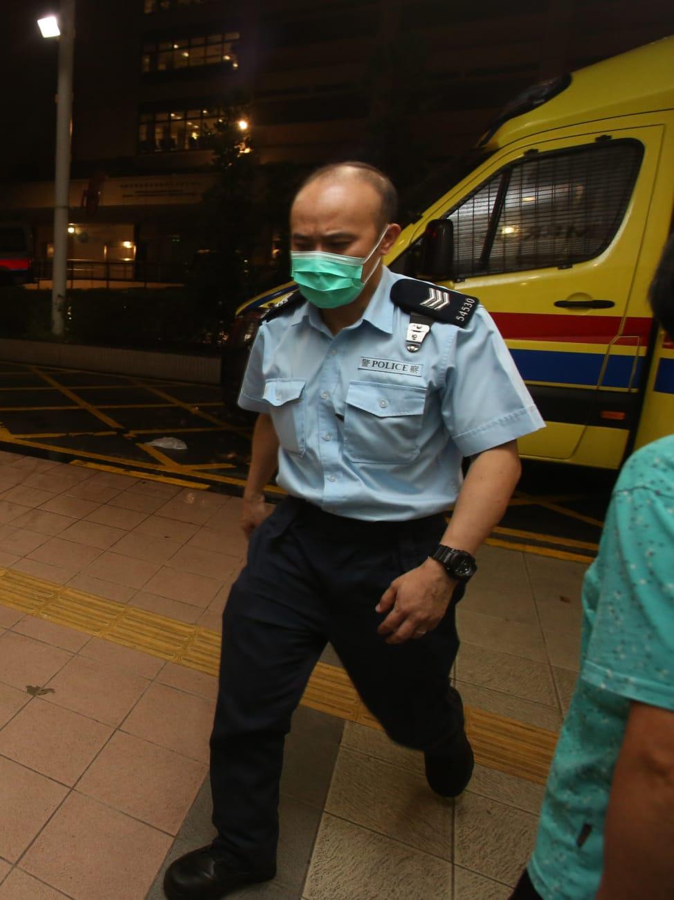 3名受傷警員送到醫院治理