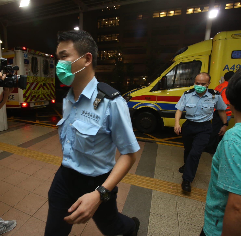 3名遇襲受傷警員送院。
