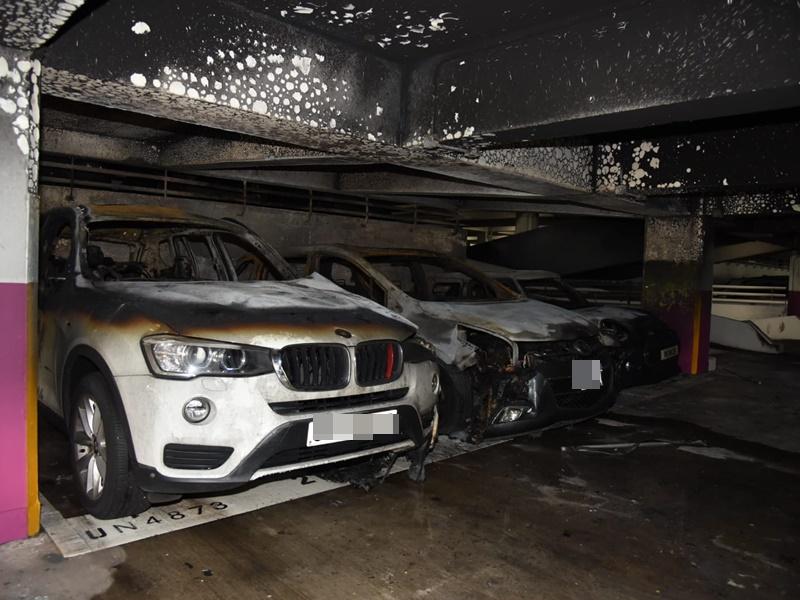 大圍顯徑邨停車場火警  疑電單車機件過熱逾25車燒毀
