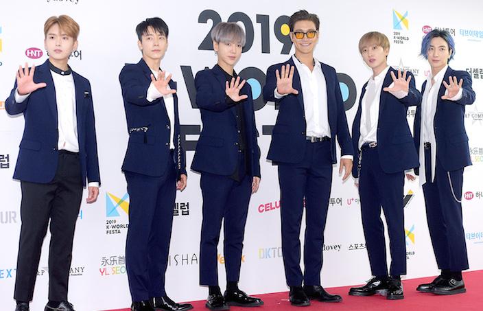 Super Junior回歸,金希澈因傷缺席演唱會和音樂放送。網圖
