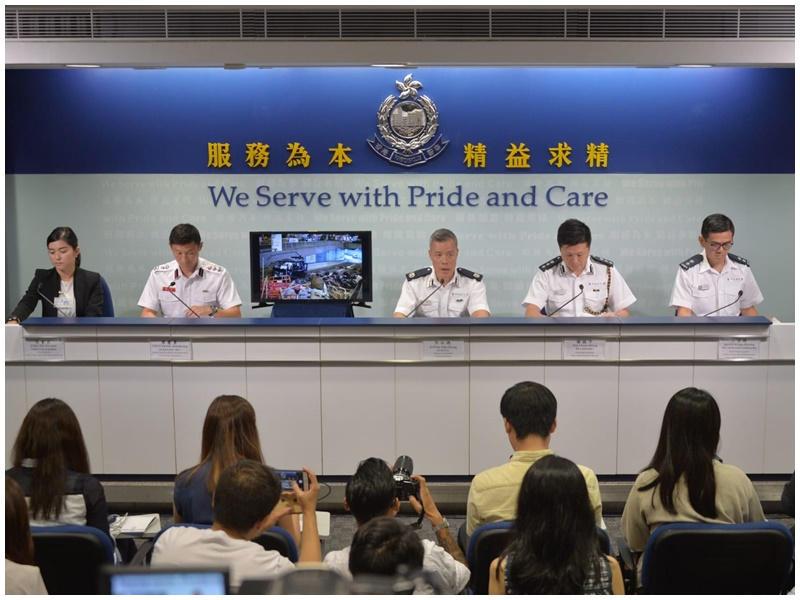 郭柏聰(中)今午已強調宗教遊行亦須通知警方。