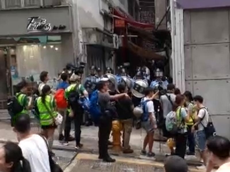 有街坊起哄。國難五金FB圖片