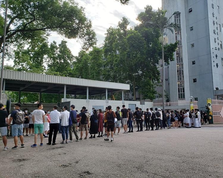 市民聲援學生罷課。任啟邦圖片