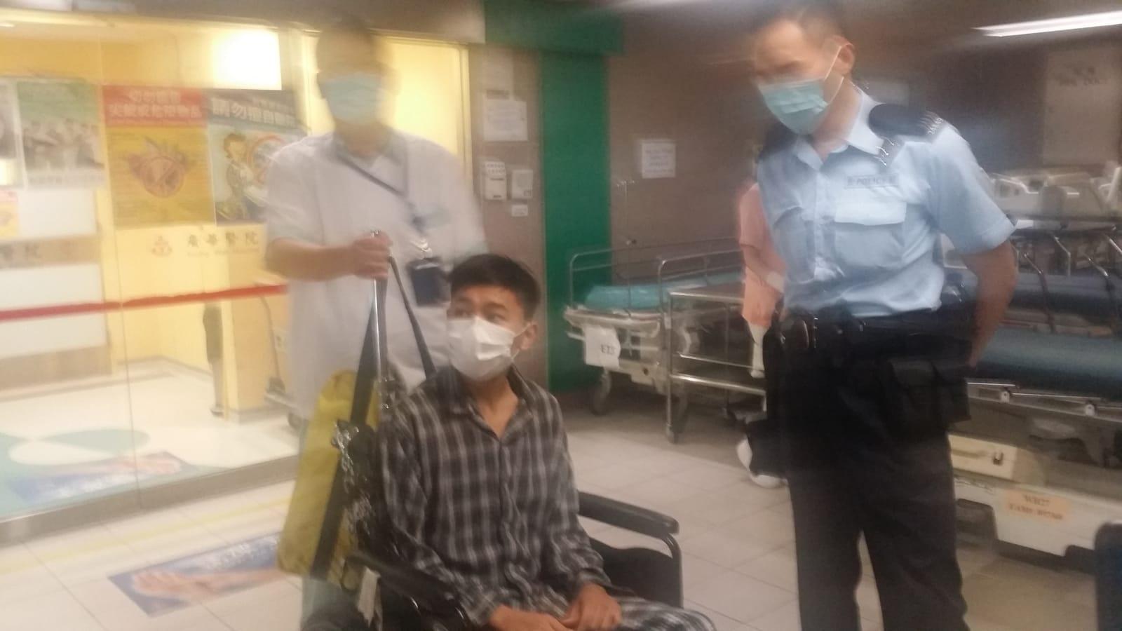 傷者送院後留醫。