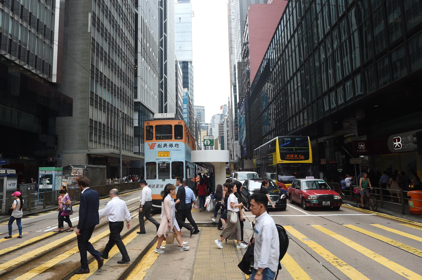 本港經濟有下行壓力。