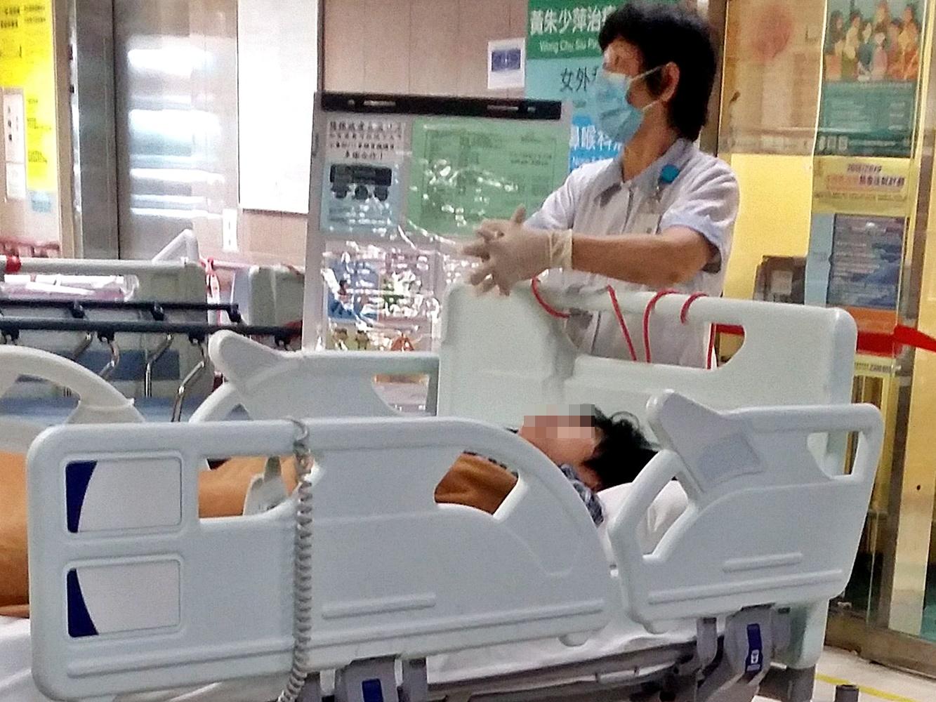 傷者送院。