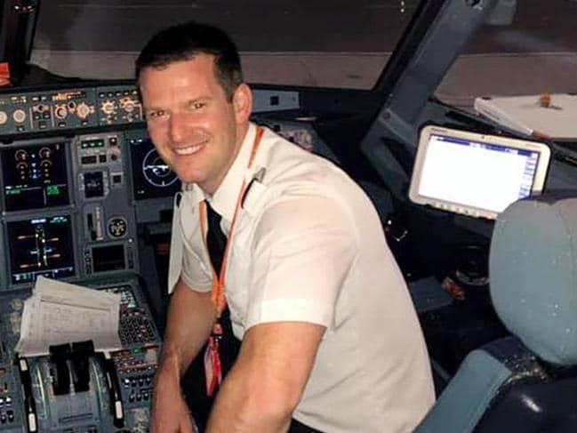 英國易捷航空休班機長Michael。網圖