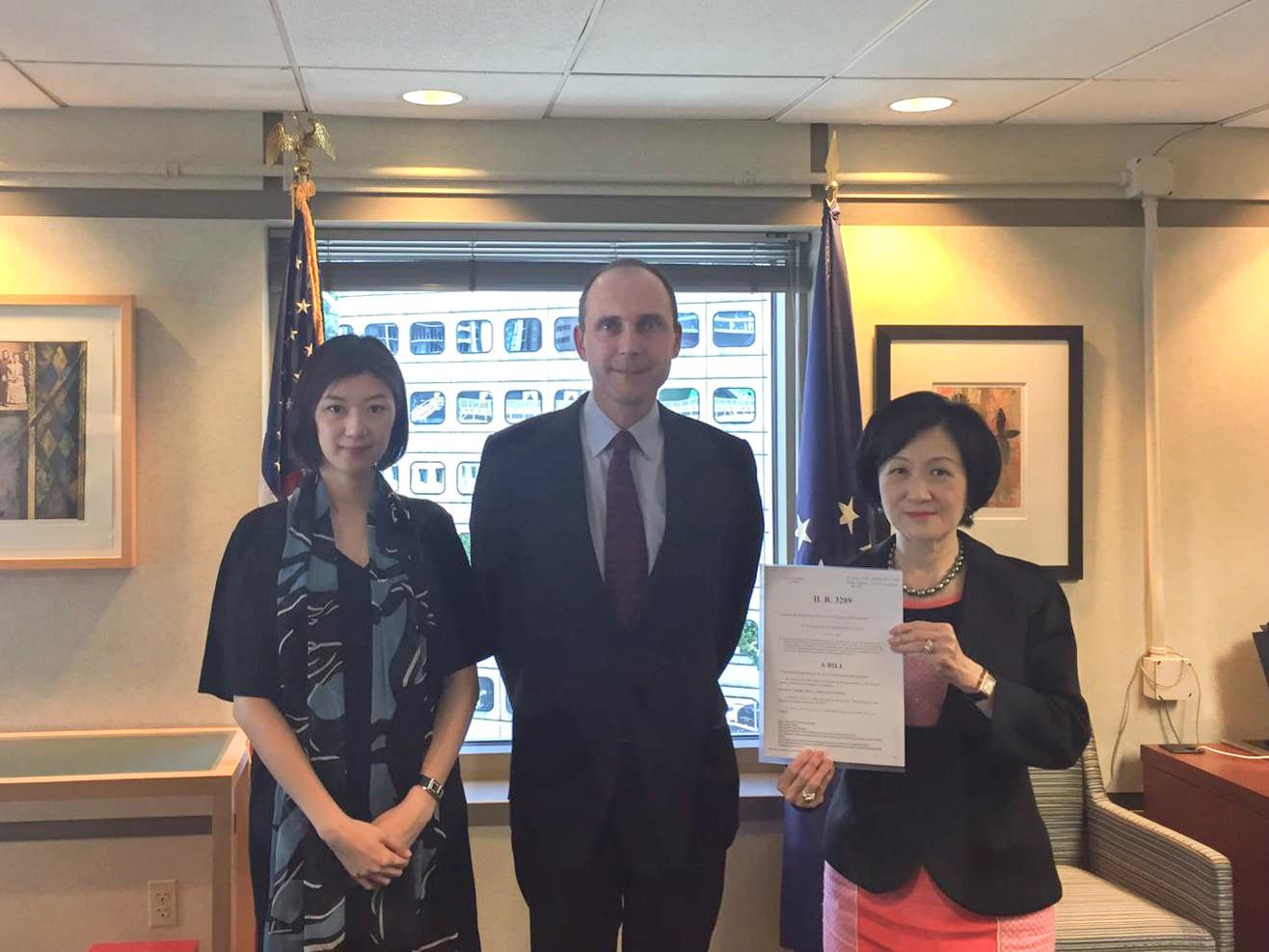 葉劉淑儀及容海恩,拜訪新任美國駐港澳總領事史墨客。新民黨FB