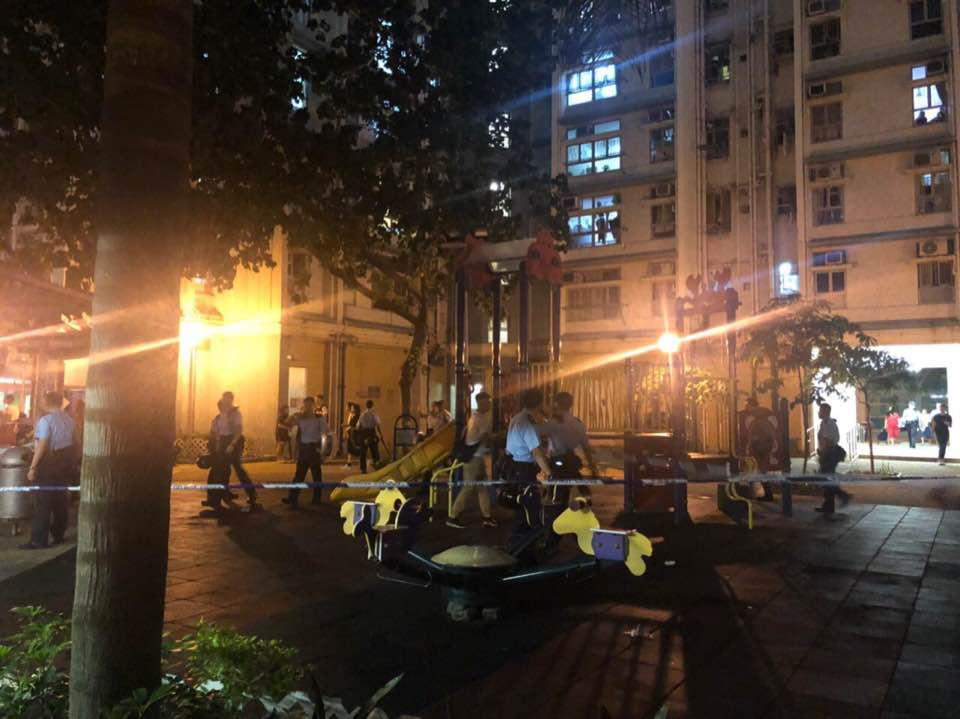 一批人在海麗邨叫口號引發爭執。香港突發事故報料區Tony Tam 圖片