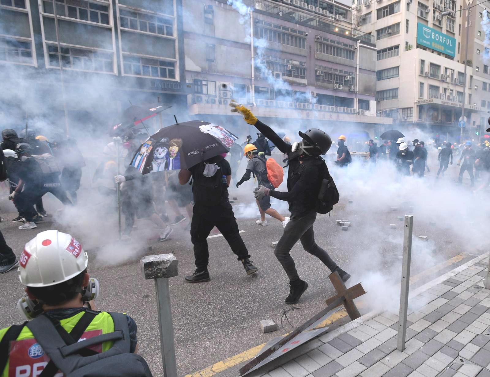 警方推10條反暴力報料熱綫。資料圖片