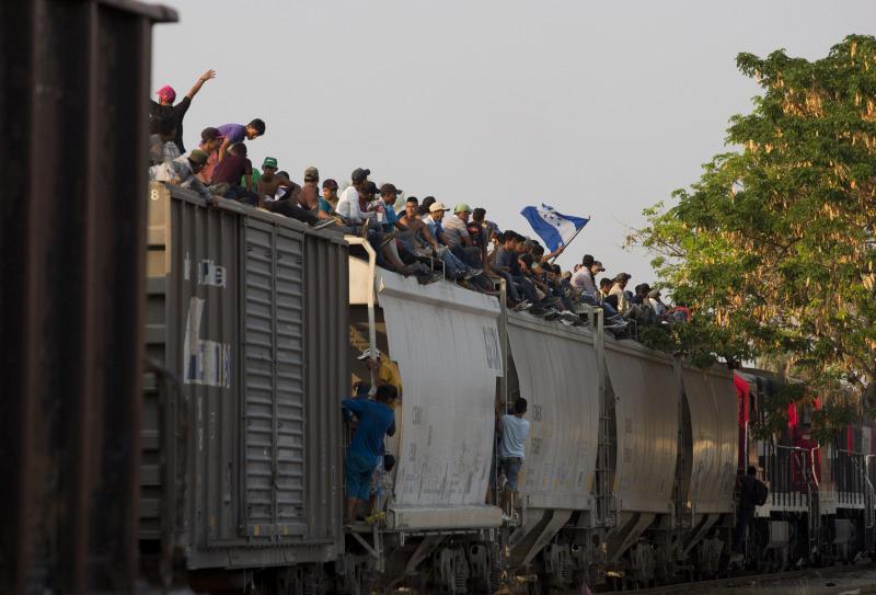 美國最高法院批准特朗普政府限制為外國人提供庇護。AP