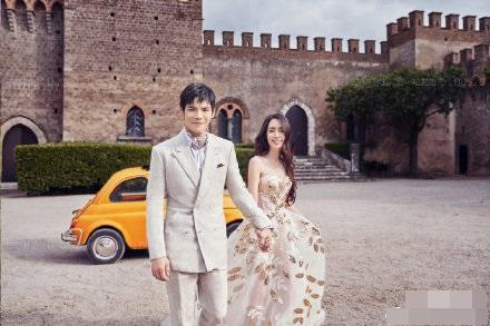 意大利婚宴曝光,向佐、郭碧婷齊晒婚照甜蜜留言。網圖