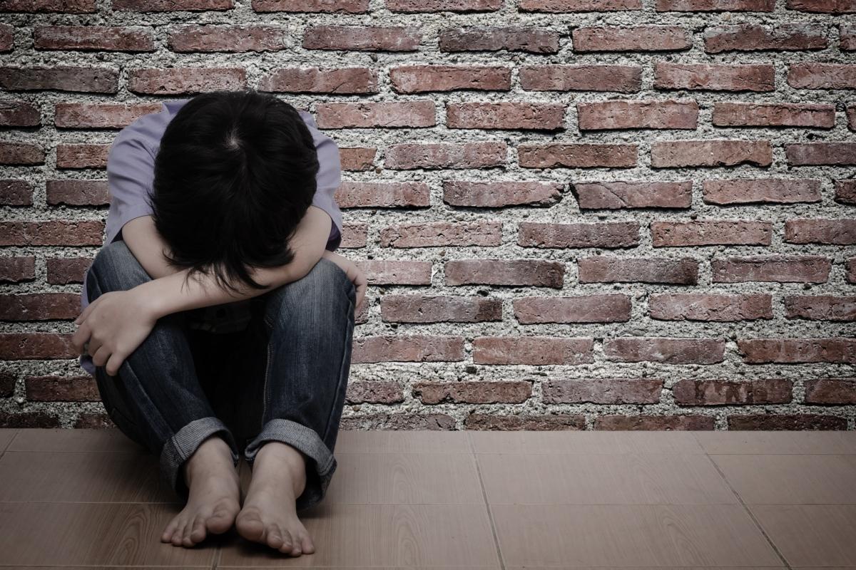 單親母因9歲兒子偷錢,涉用皮帶狠抽兒子半小時。示意圖
