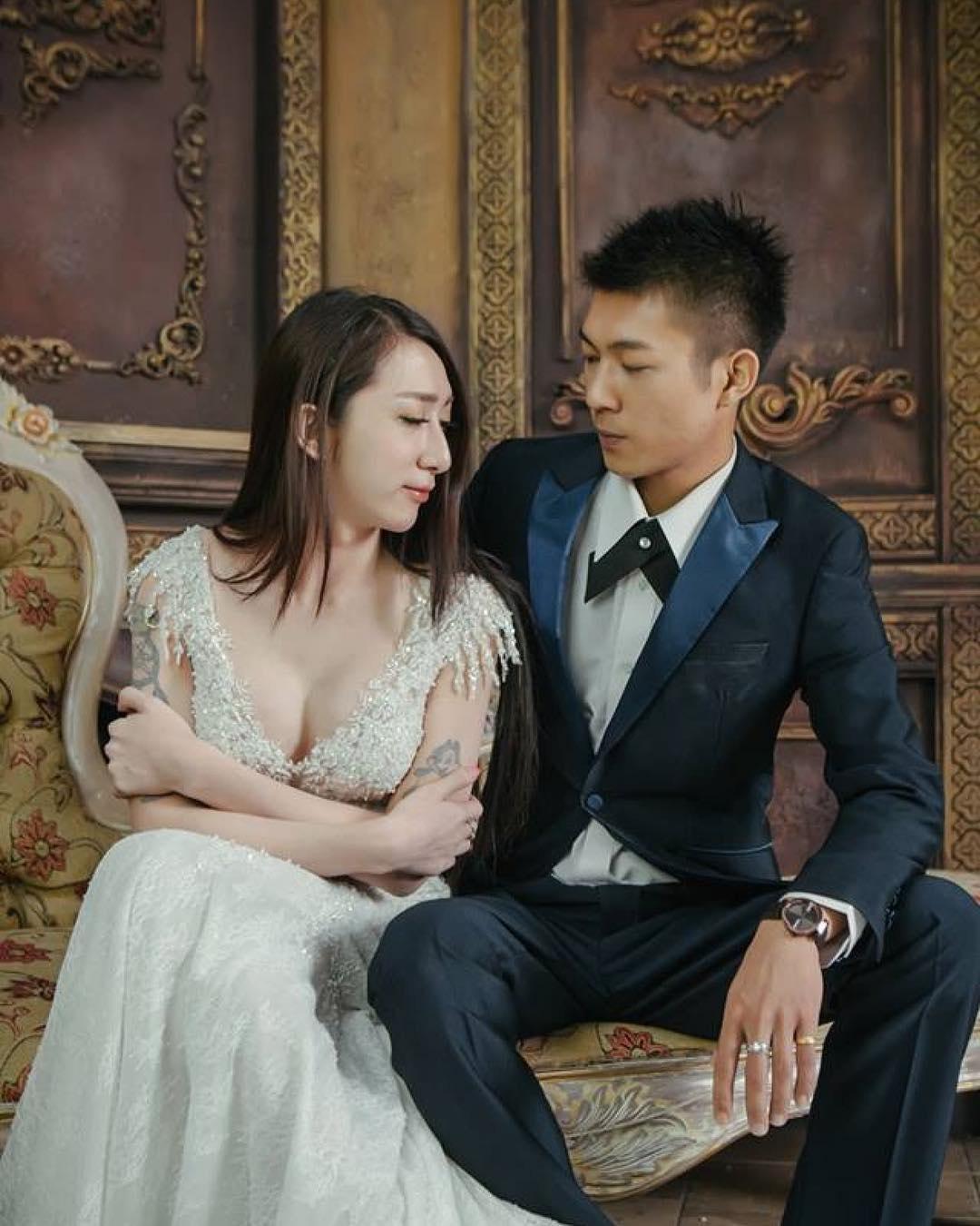 二人結婚照。罔腰fb