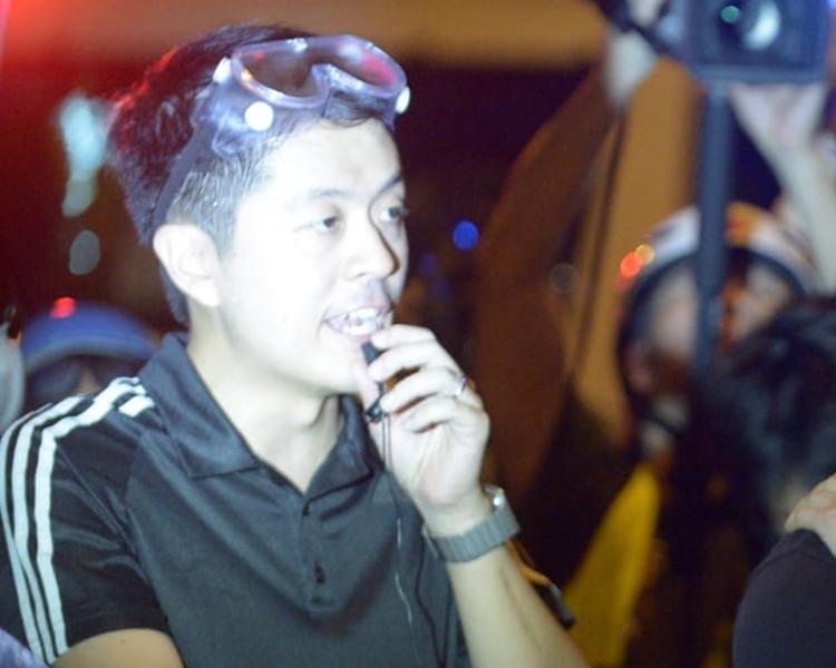 立會議員許智峯,在現場曾對警員的行動作出質疑。