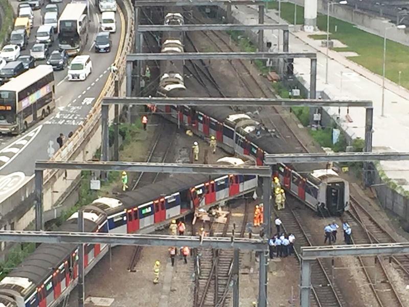 紅磡站列車出軌。