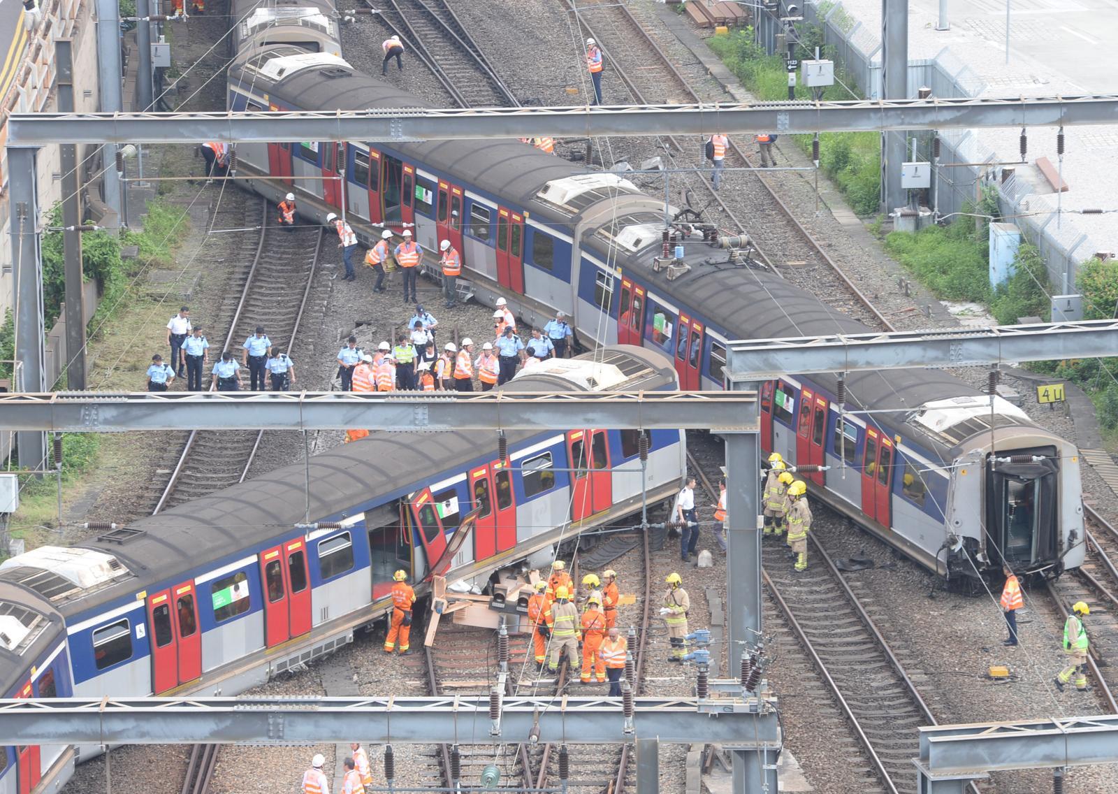 紅磡站有列車出軌。