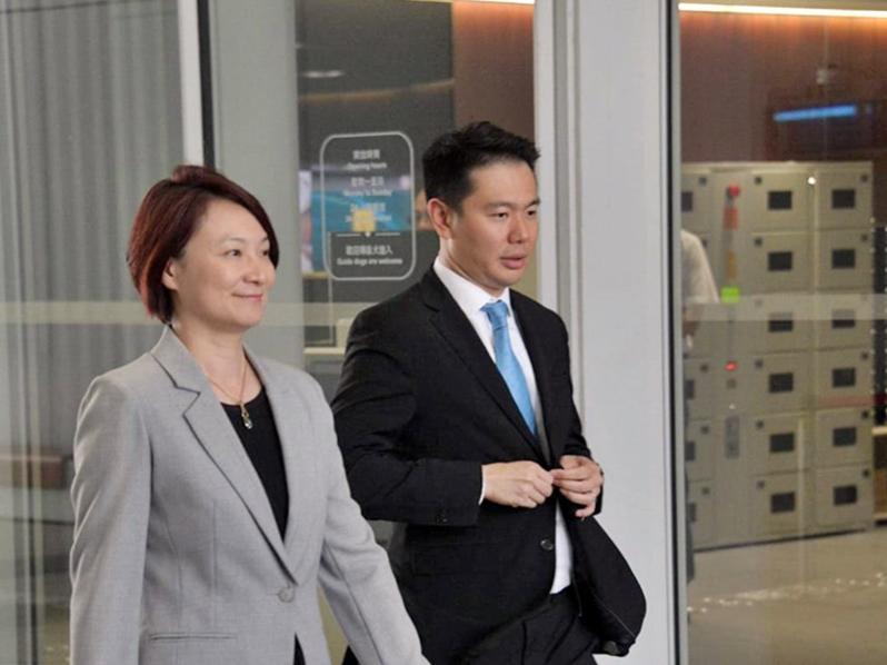 李慧琼(左)指無必要通過人權法。