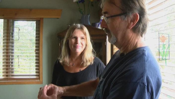 布爾坎及妻子愛麗絲。CHEK TV截圖