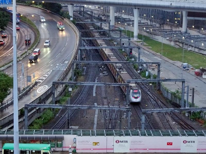東鐵綫紅磡至旺角東站恢復通車。