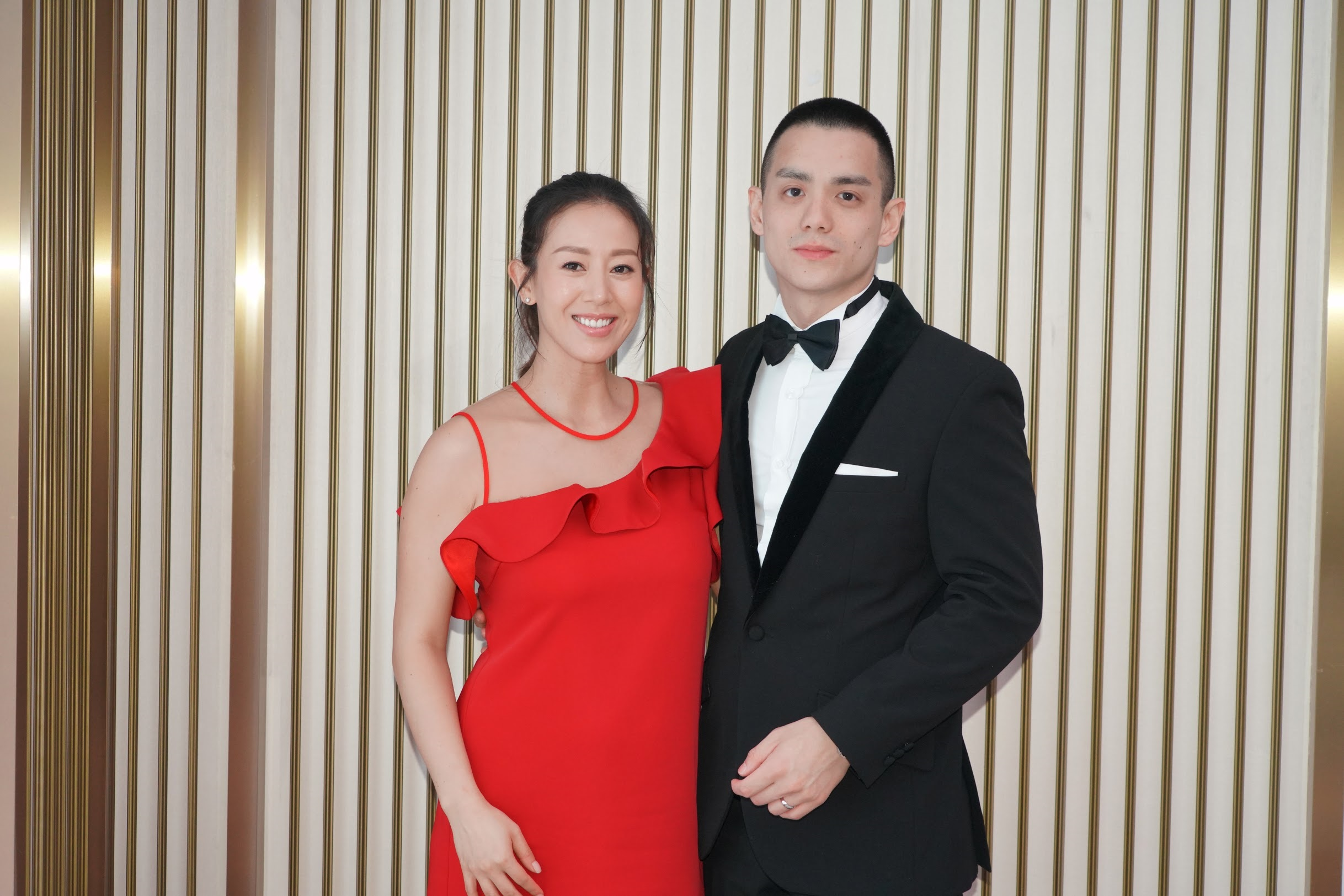 梁靖琪與丈夫施雋賢出席慈善晚會。