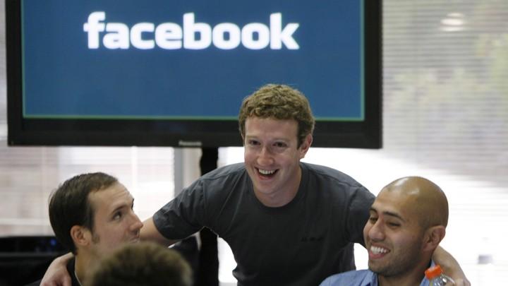 FB新設獨立監督委員會,可否決朱克伯格意見。AP