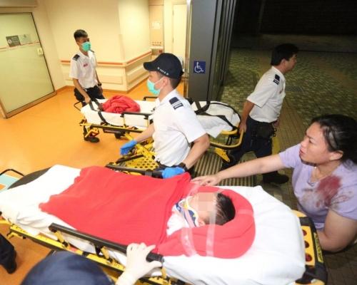 5歲男童上水體育館看台墮下 頭部流血送院