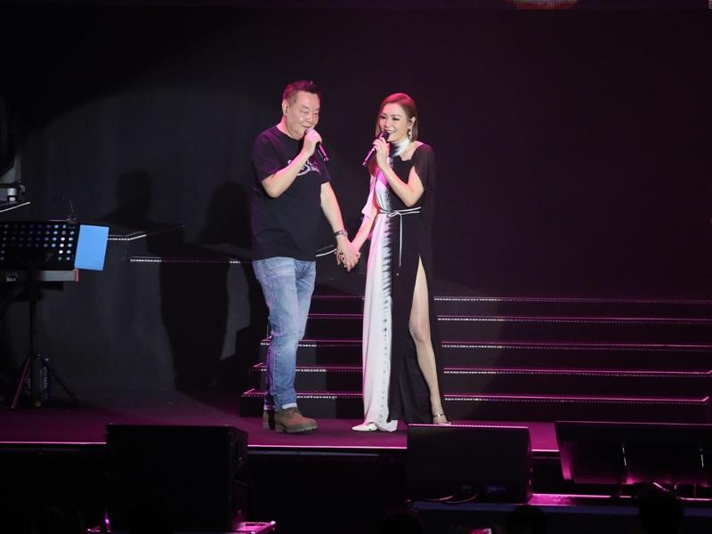 田蕊妮首場個人演唱會邀爸爸做嘉賓。