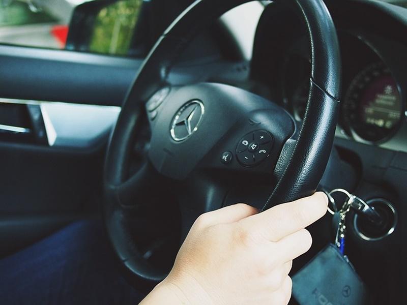 日本擬推行新法允司機自動駕駛。網上圖片