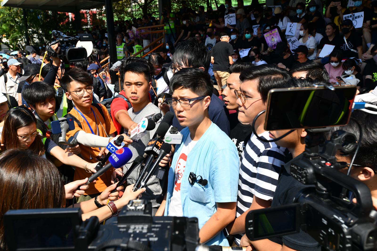 發起人巫堃泰表明,遊行是要反映「禁止打賞」等「五大訴求」,要求當局回應。